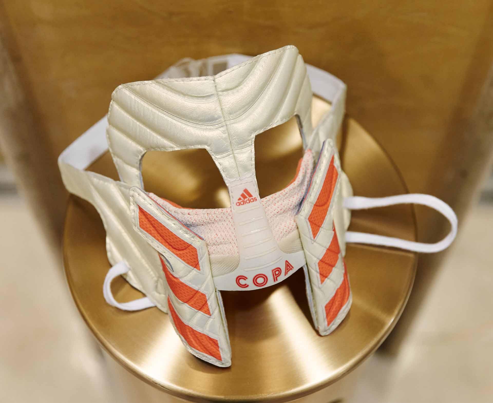 semilla Actuación Escepticismo  Paulo Dybala Receives Bespoke COPA19 Gladiator Mask - SoccerBible