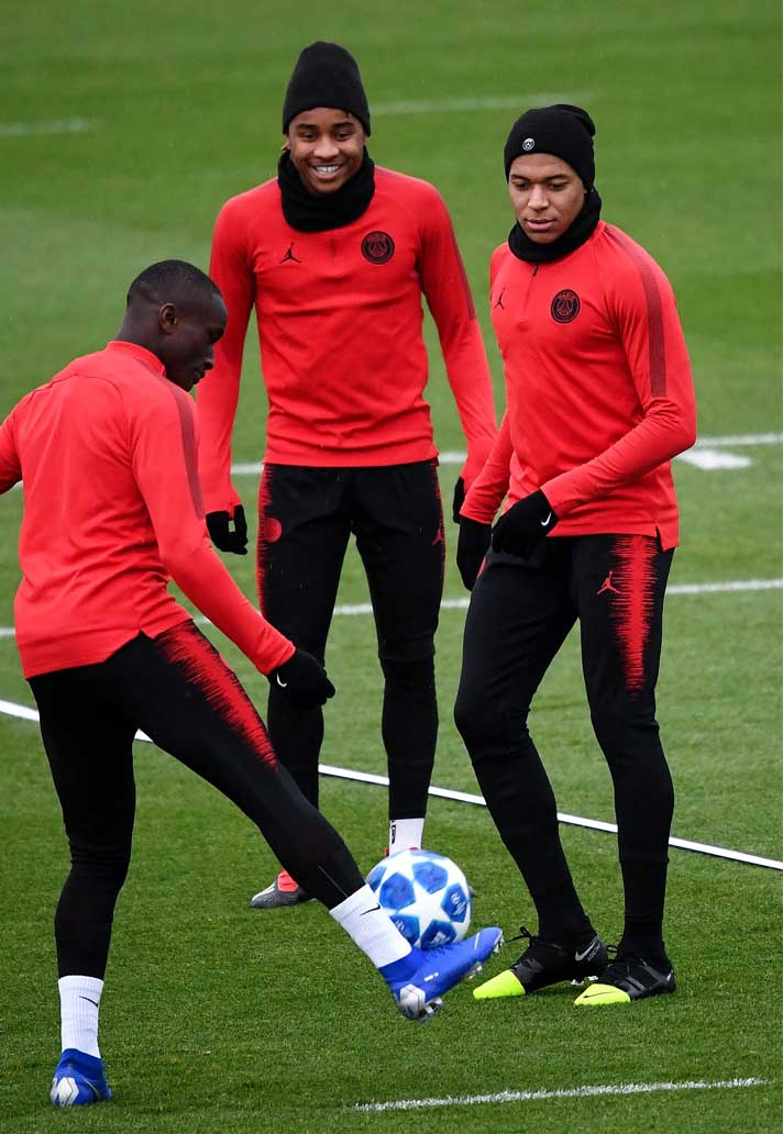 new concept 6dd0c 0dcdc Kylian Mbappé Trains in Nike Mercurial Superfly GS 360 ...