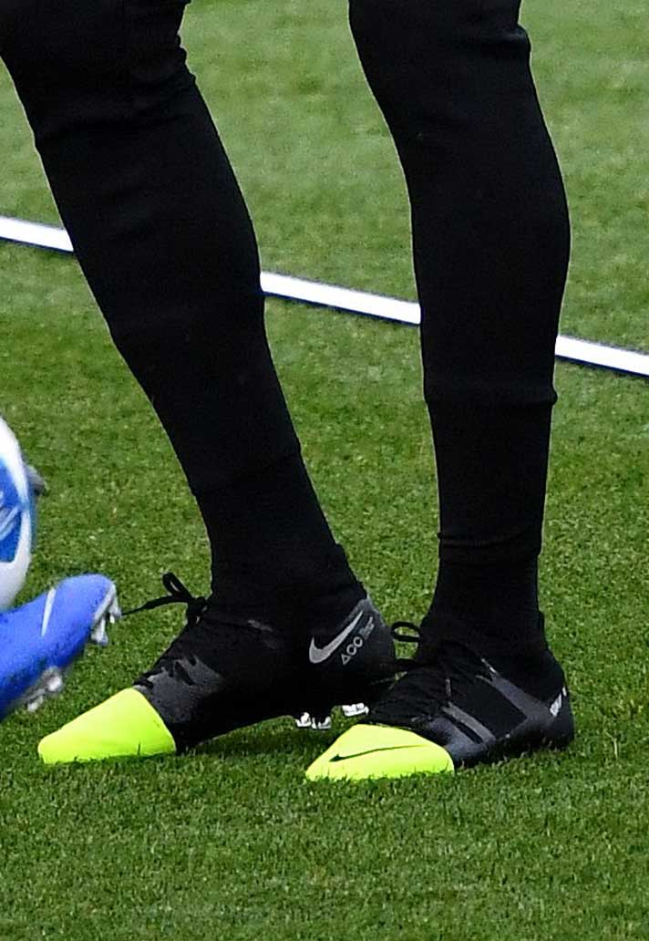 new concept 36e38 8147a Kylian Mbappé Trains in Nike Mercurial Superfly GS 360 ...