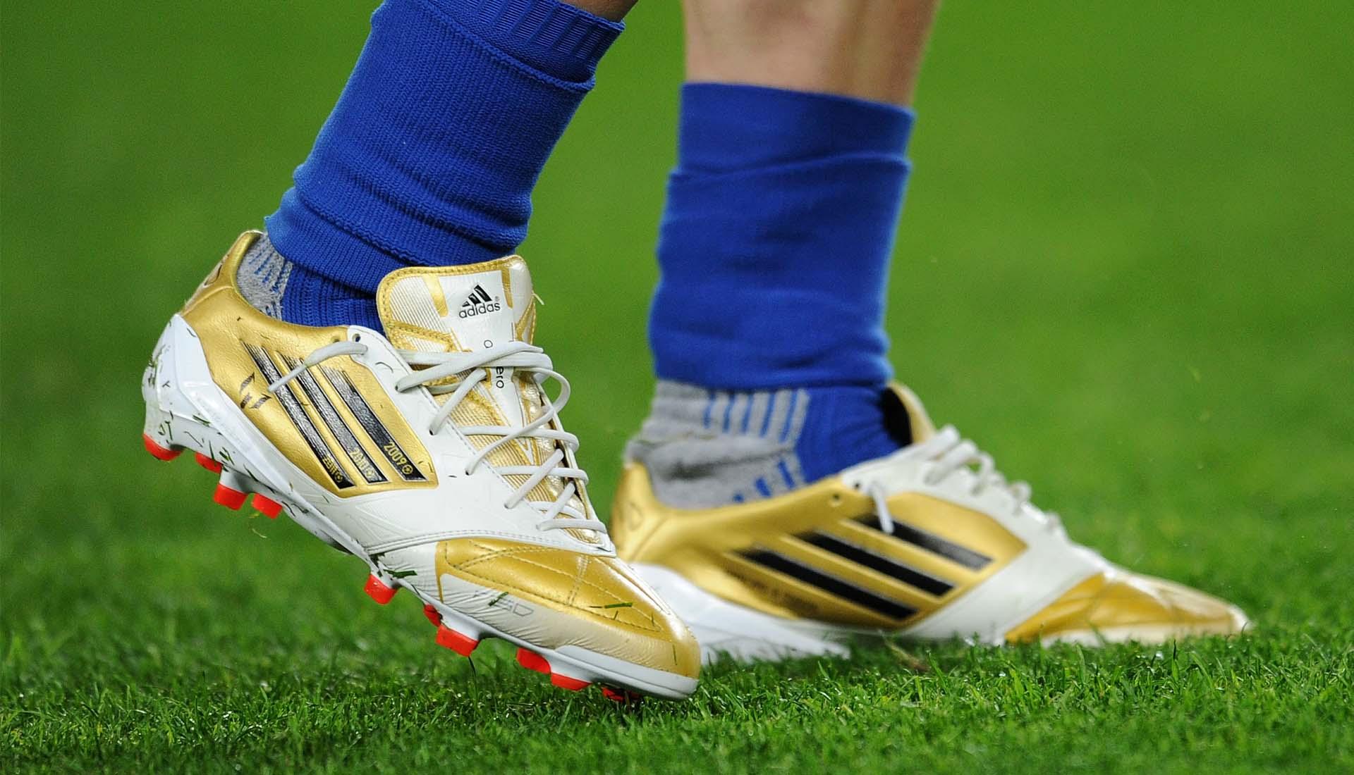 90a1f24f4257 A Look Back At Messi & Ronaldo's Signature Ballon d'Or Boots ...
