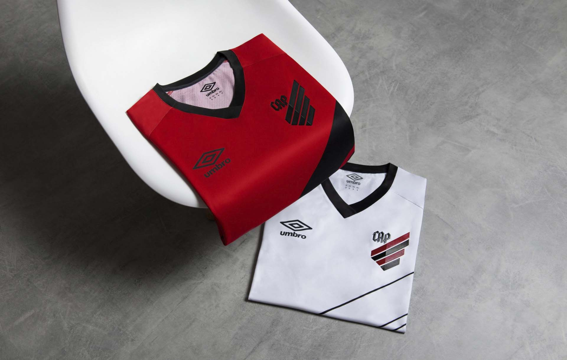 0ca1934478b 2-umbro-paranaese-18-19.jpg. The 2019 home and away shirts for Athletico ...