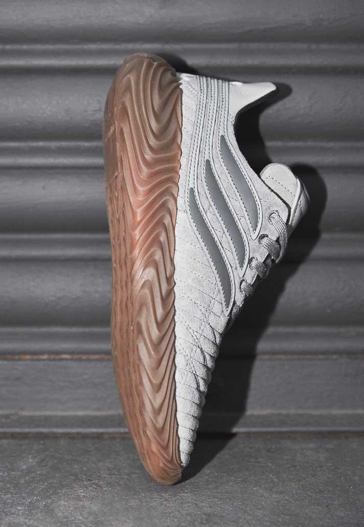1-adidas-sobakov-suede-gris-min.jpg