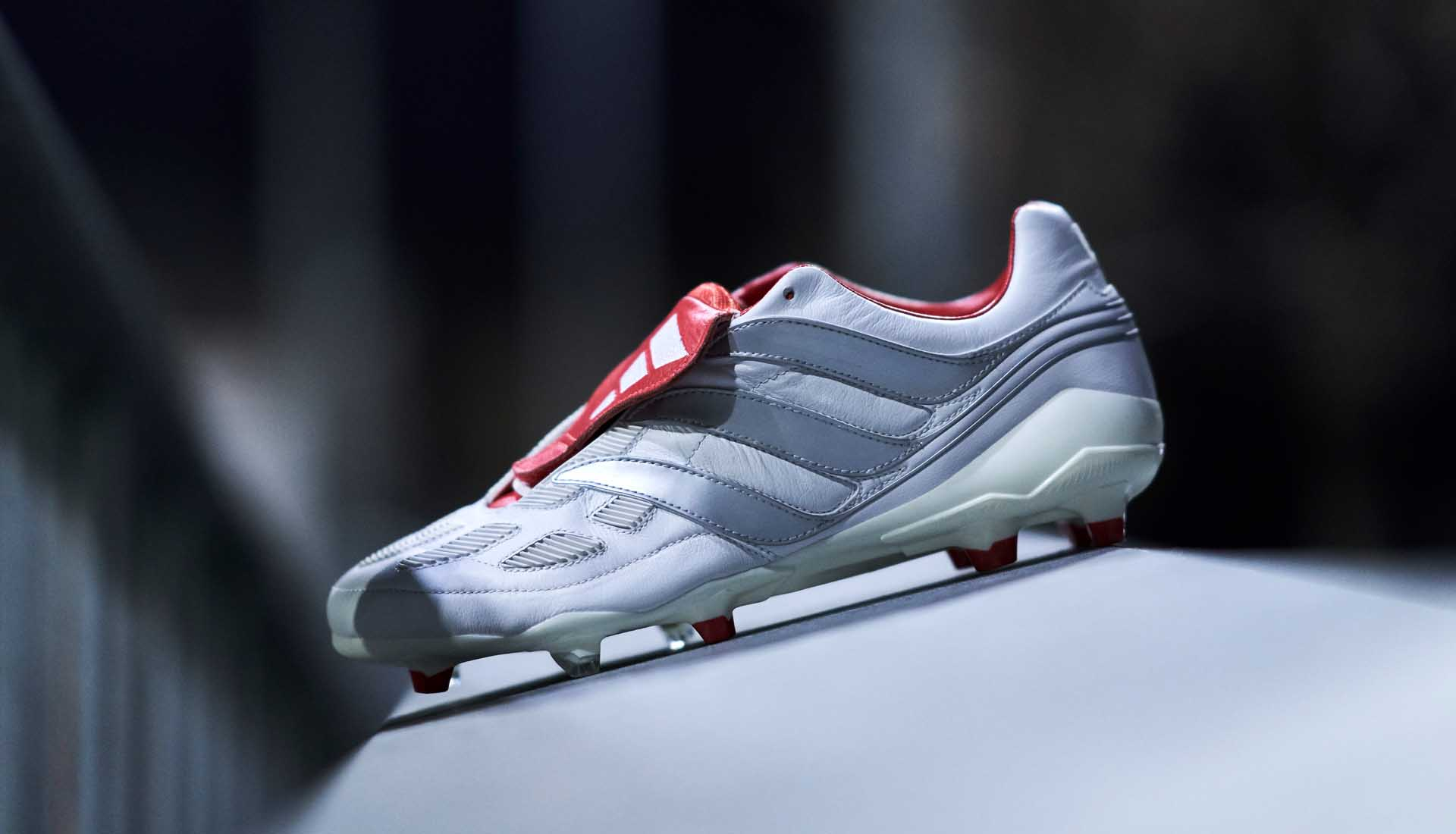Poderoso Disco Ligeramente  Closer Look at the adidas '25 Years of Predator' Beckham Precision -  SoccerBible