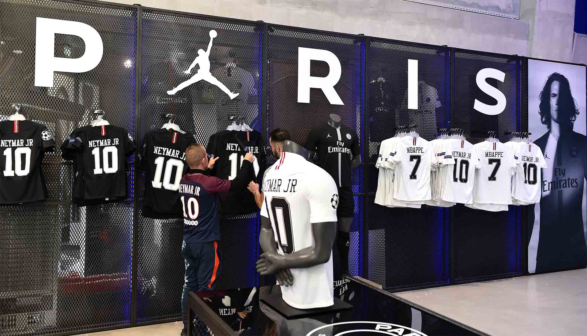 best service 622be dbcec PSG Shirt Sales To Hit One Million For The Season - SoccerBible
