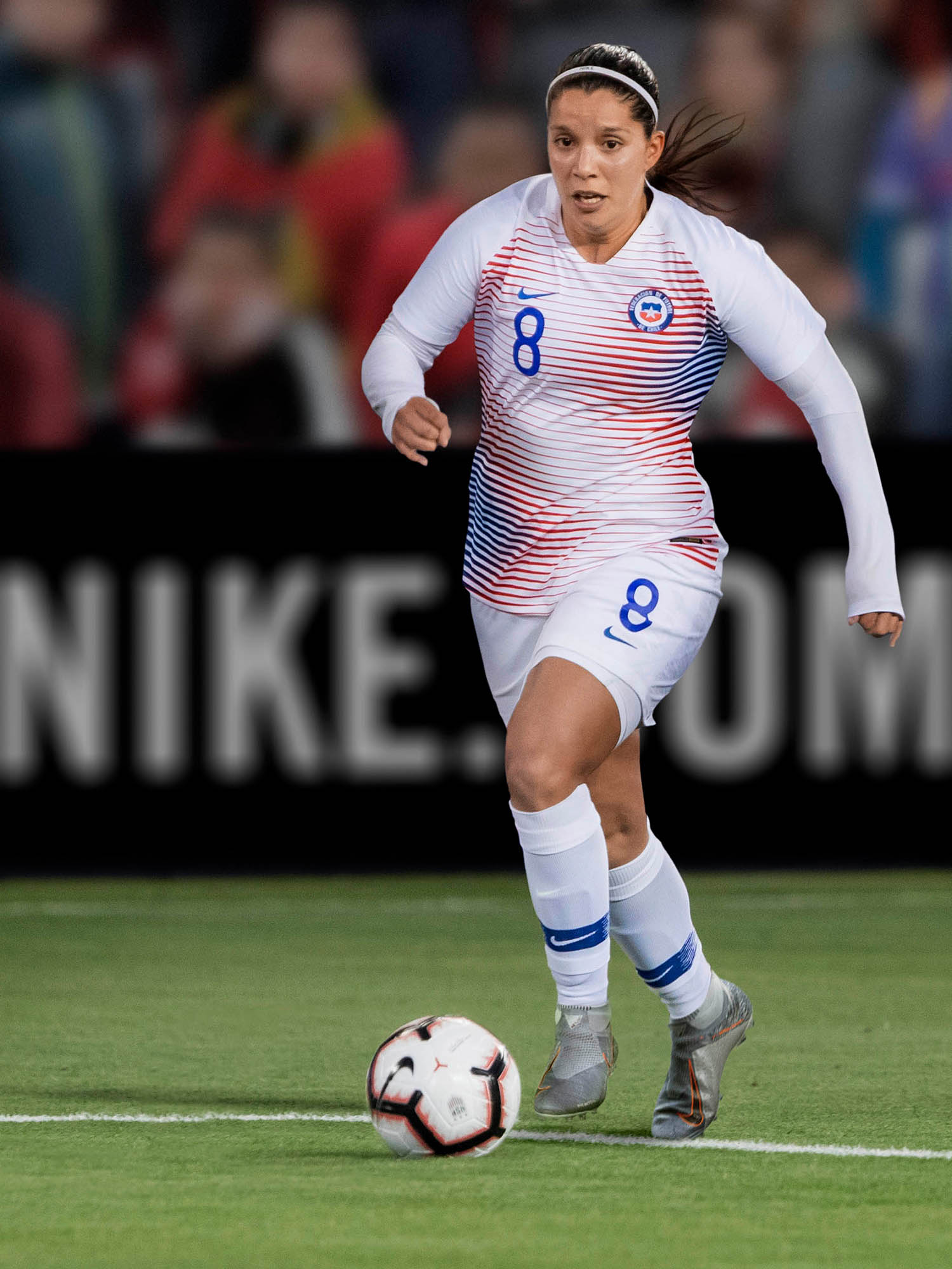 chile nike wwc kits_0000_chile-national-team-kit-2019-performance-001_original.jpg