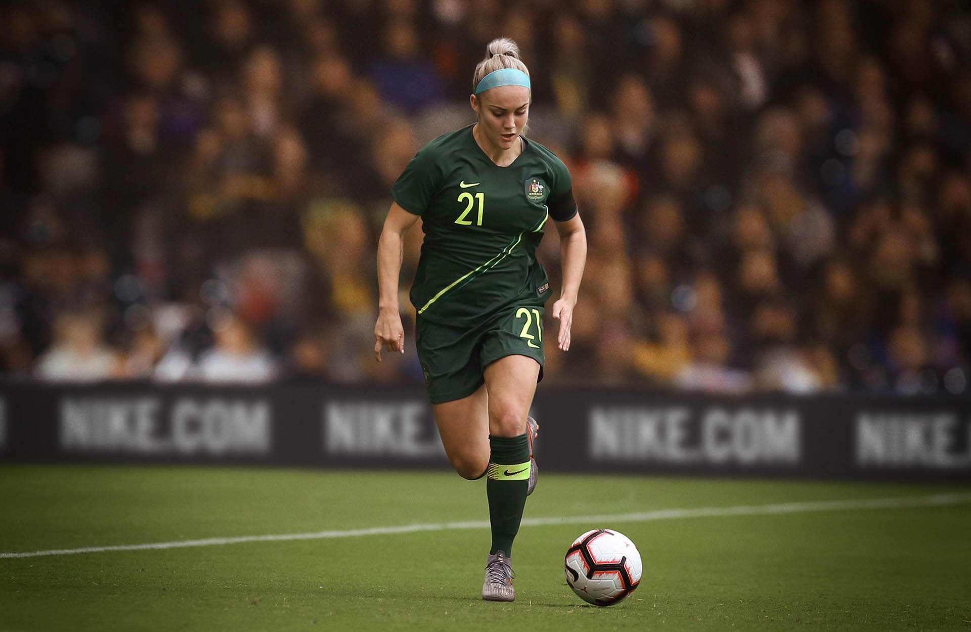 all nike wwc kits_0003_australia-national-team-kit-2019-performance-003_original.jpg
