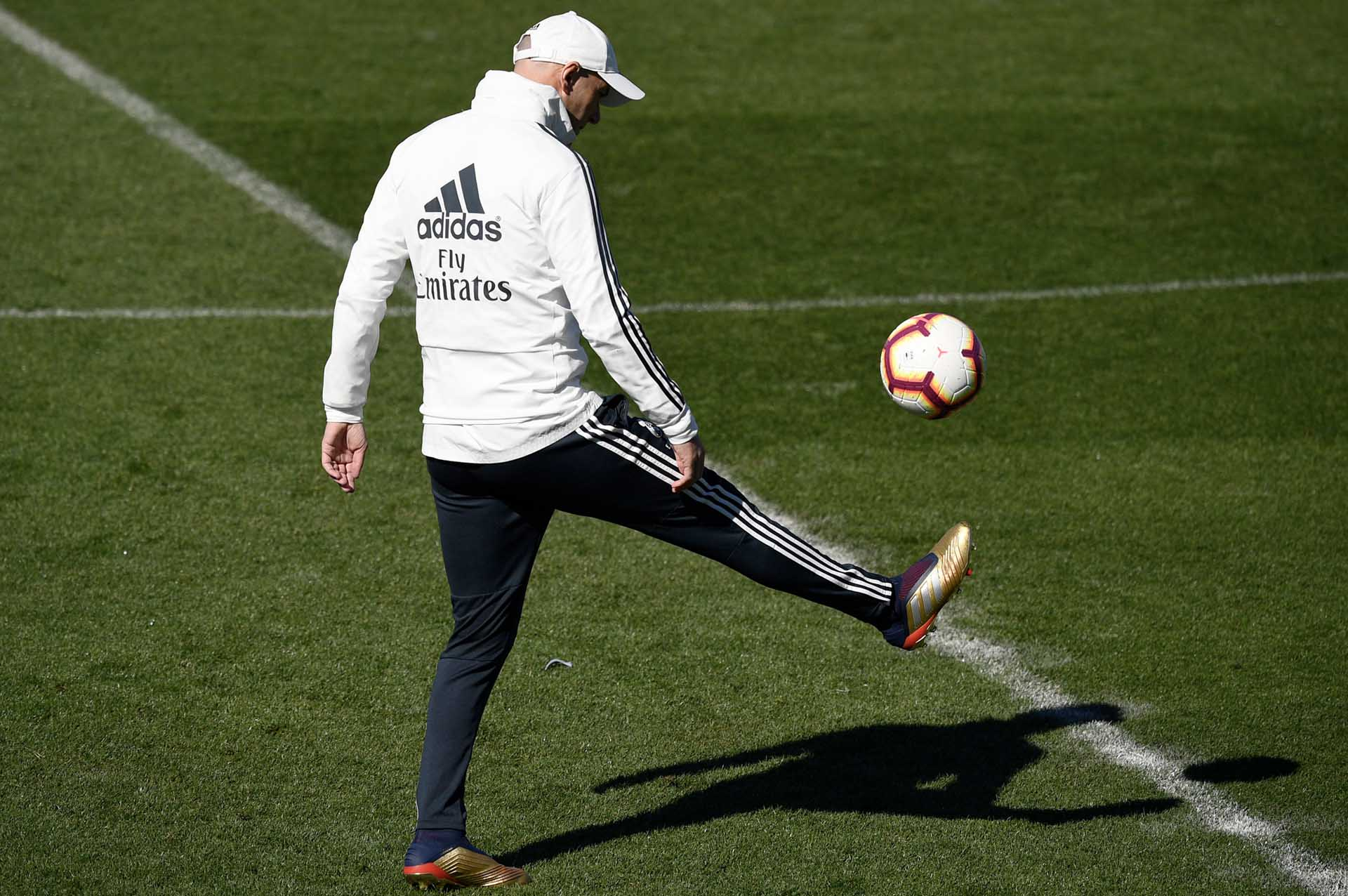 4fc358d59286 Zidane Takes Real Madrid Training In adidas Predator 19+ '25 Years Of  Predator' - SoccerBible.