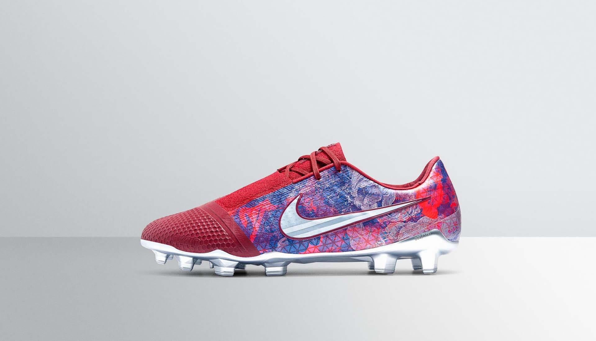 80ddb369e7c Nike Present Alex Morgan With Special-Edition PhantomVNM - SoccerBible.