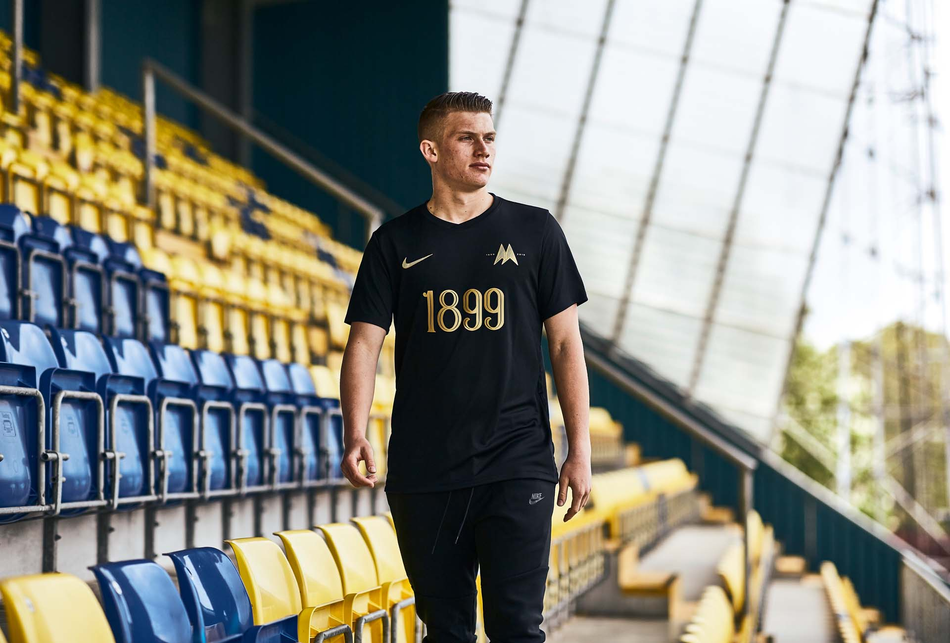 competitive price 99204 4f3e8 Torquay United Launch Stunning Special Edition Anniversary ...