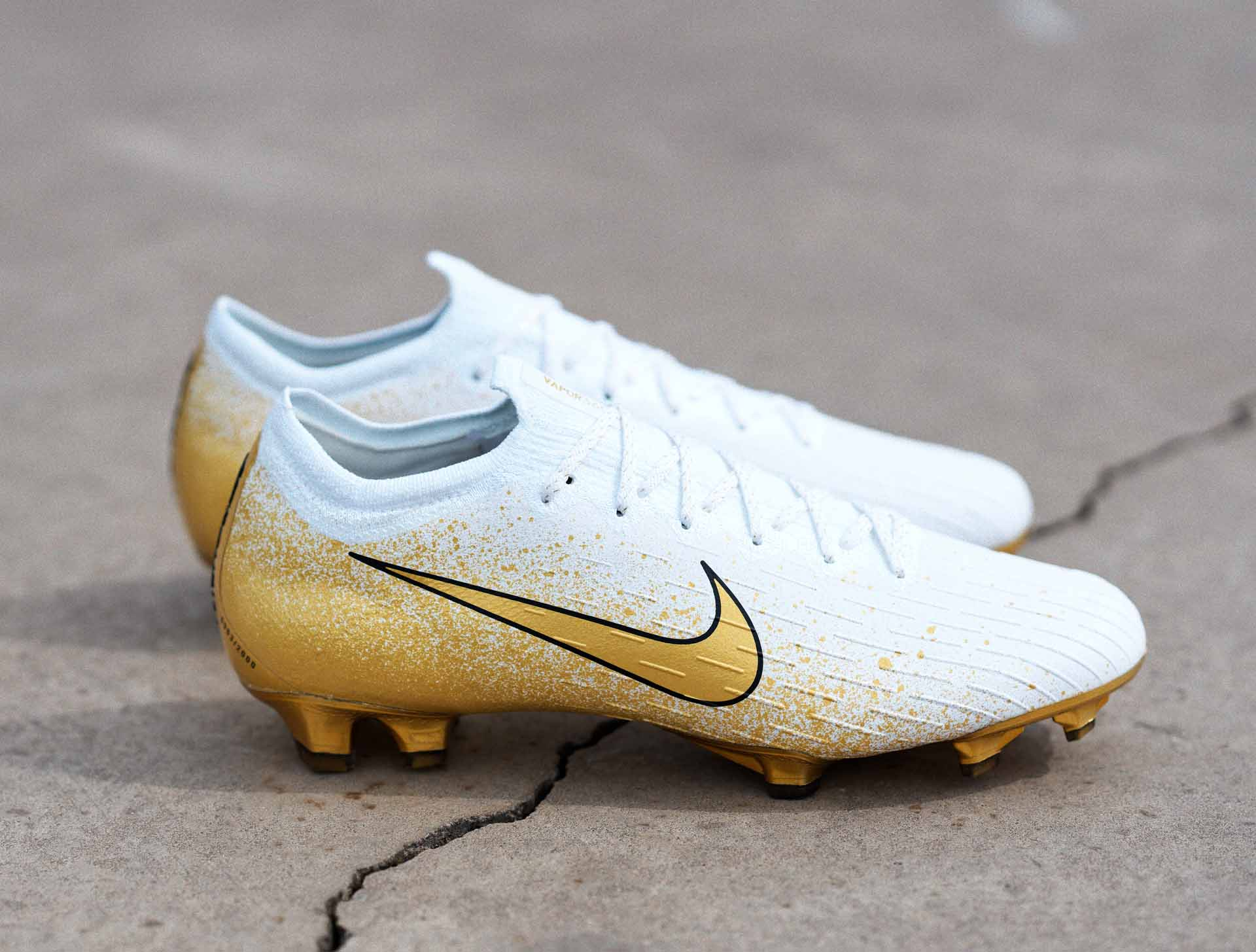 nike football shoes gold