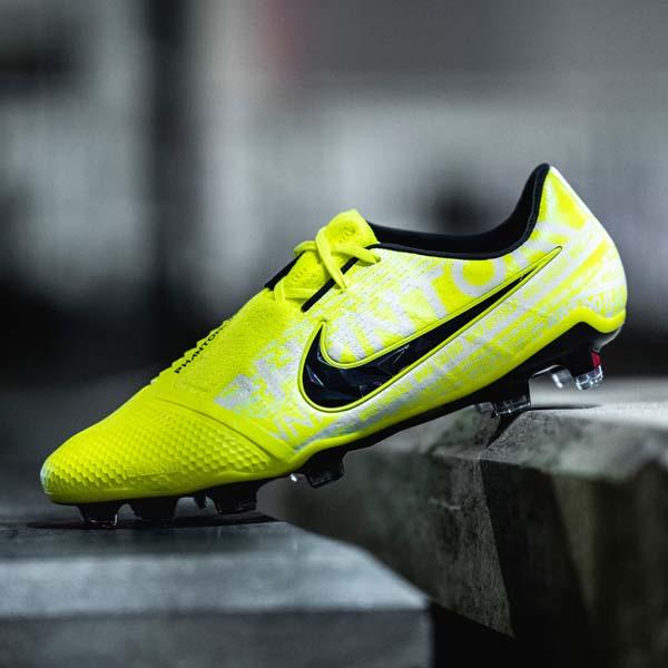 best loved c85e6 d05fe Nike Present Alex Morgan With Special-Edition PhantomVNM ...