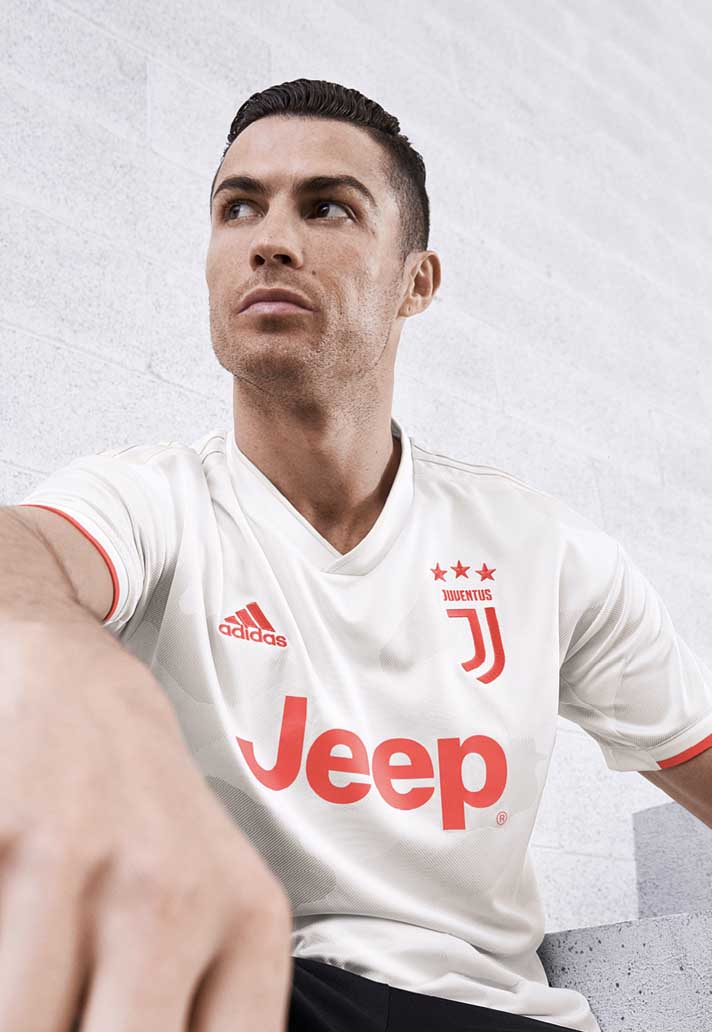 3-juventus-away-19-20.jpg