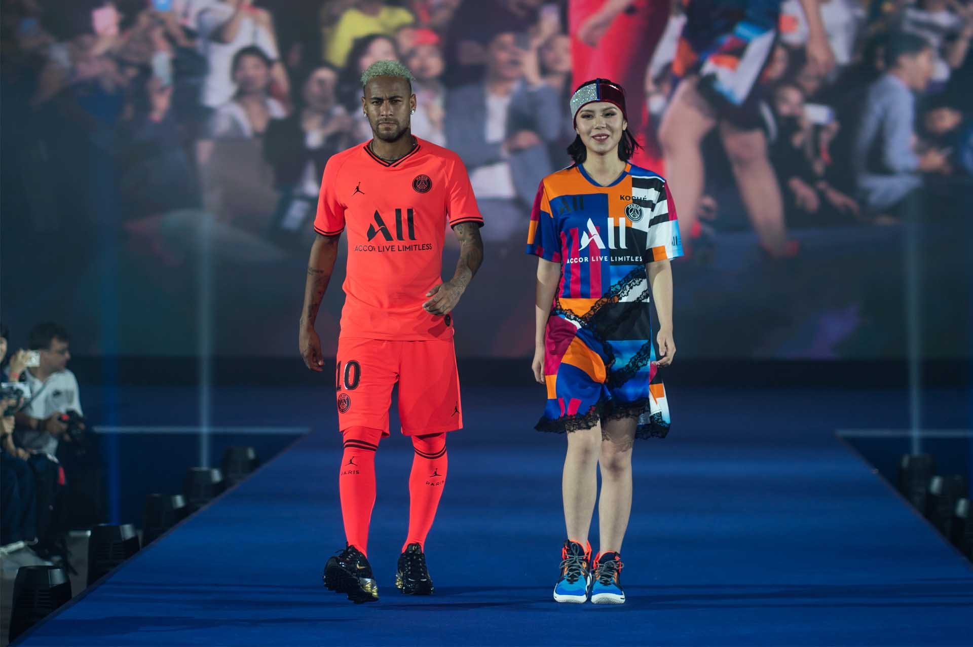 Psg Koche Host Fashion Show To Debut Jordan Away Kit Soccerbible