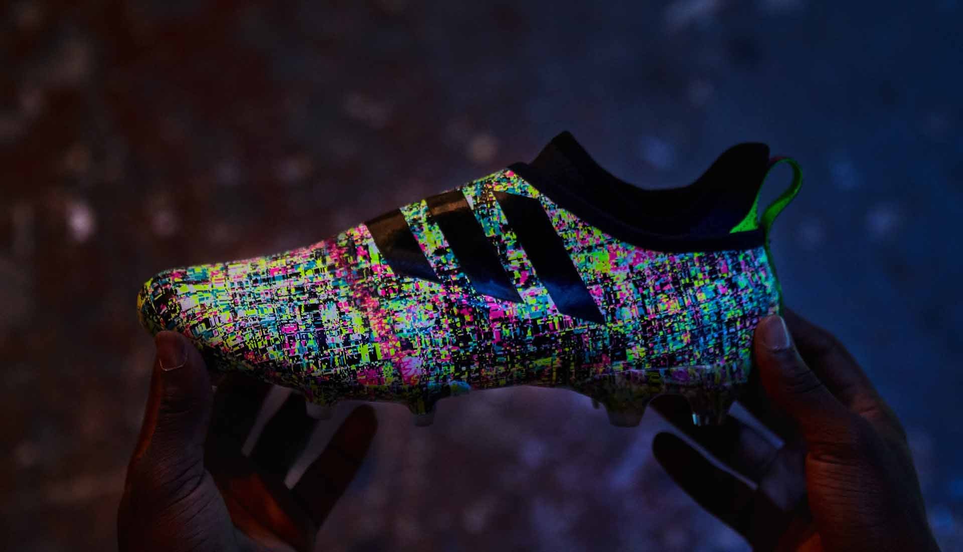 This boot can change ist color Adidas Glitch Review